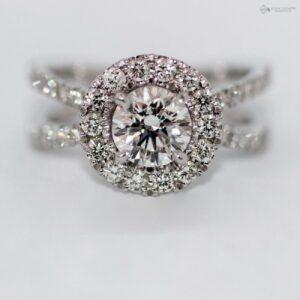 https://johnguiath.com/wp-content/uploads/2021/07/Bague-de-fiancaille-diamant-Niyha-or-blanc.-300x300.jpg